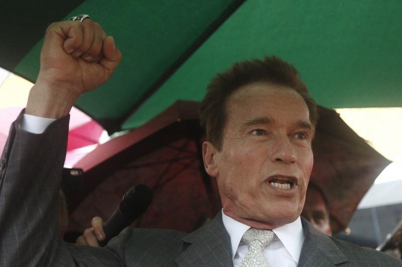 A. Schwarzeneggeris tapo kultūrizmo žurnalo redaktoriumi