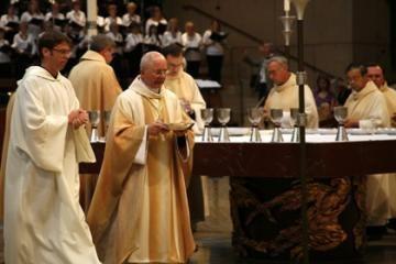Kauno arkivyskupas aukojo mišias Los Andželo lietuviams