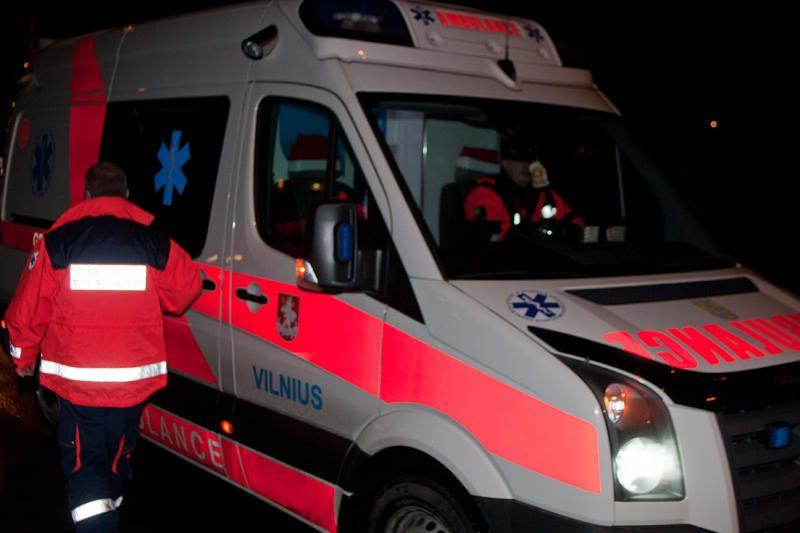Riešėje susidūrė automobiliai, vairuotojai sužeisti