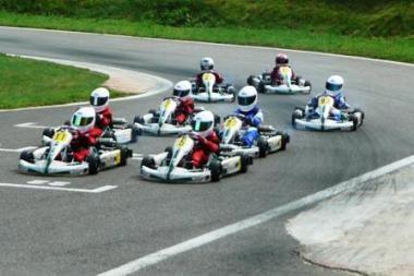 Įvyko pirmosios BMW Formulės Mini lenktynės