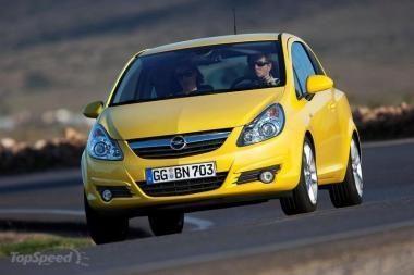 """Atšaukta 15,5 tūkstančių """"Opel Corsa"""""""
