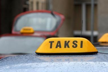 Klaipėdiečiai sumušė taksistą ir pavogė jo mašiną