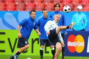"""""""Euro 2008"""": italų ir prancūzų mačo nugalėtojas gali likti be nieko"""