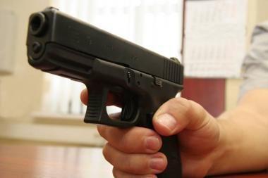 Buvęs apsaugininkas J.Paulikas vardinio ginklo neatgaus