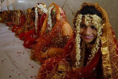 Indijoje namų šeimininkes prilygino prostitutėms ir elgetoms