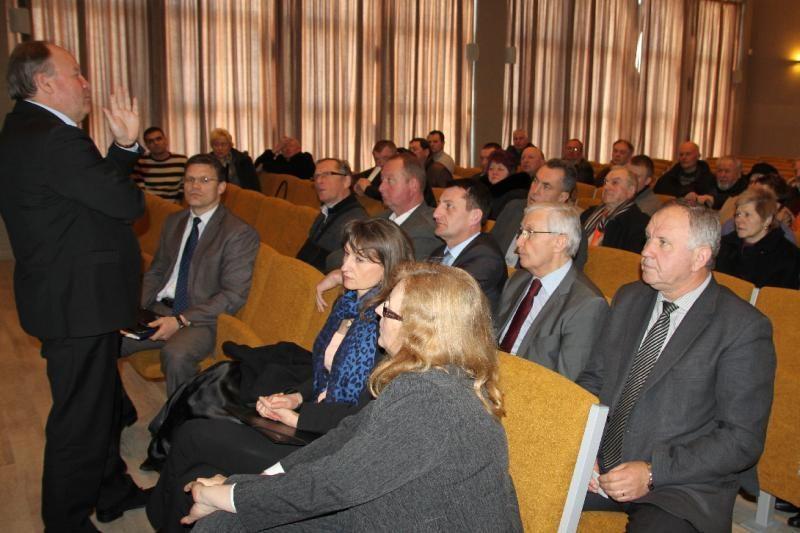 Pakaunės ūkininkai dėl savo bėdų guodėsi Kauno rajono vadovams