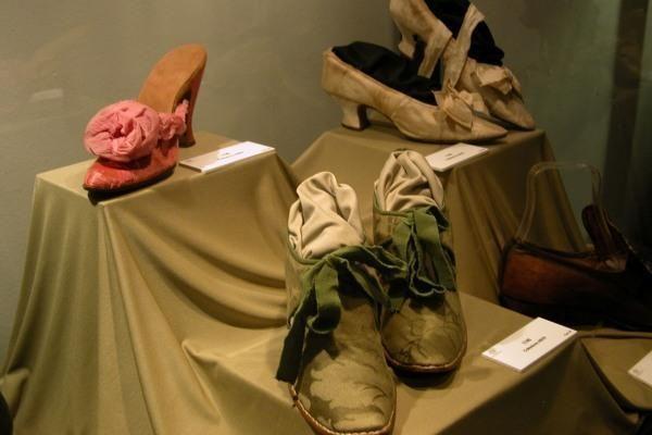 """Parodoje """"Vaikščiojantis menas"""" – Italijos batsiuvystės tradicijų ir mados istorija"""