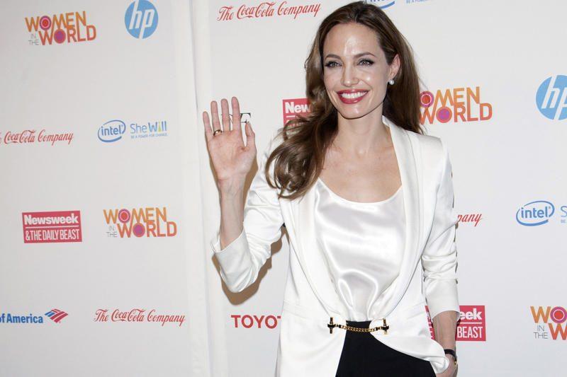 Aktorė Angelina Jolie paskirta JT pasiuntine pabėgėlių reikalams