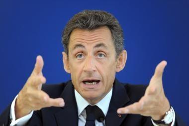 N.Sarkozy: nutraukite visas protestuotojų vykdomas degalų bazių blokadas