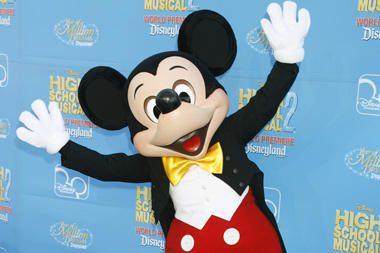 """""""Disney"""" pardavė kino studiją """"Miramax"""""""
