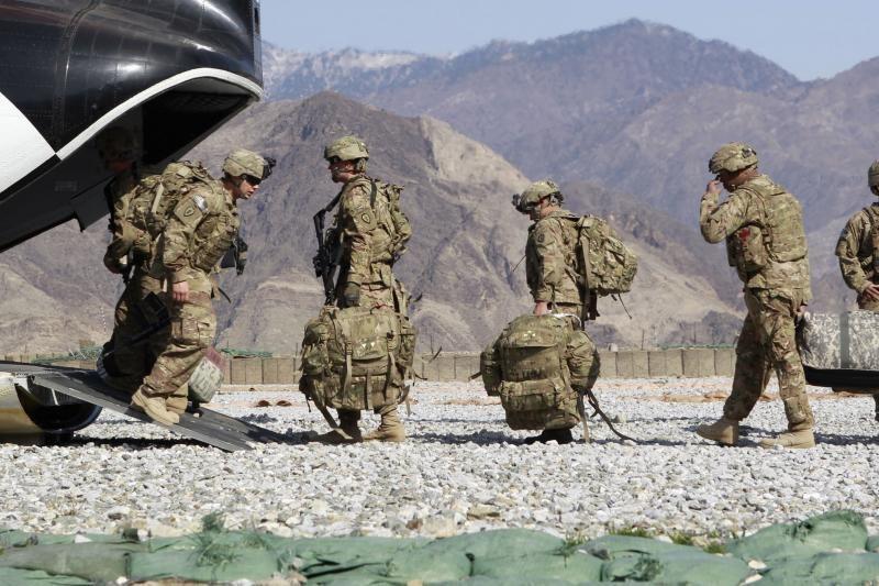 Afganų žudymu kaltinamas JAV karys išskraidintas iš Afganistano