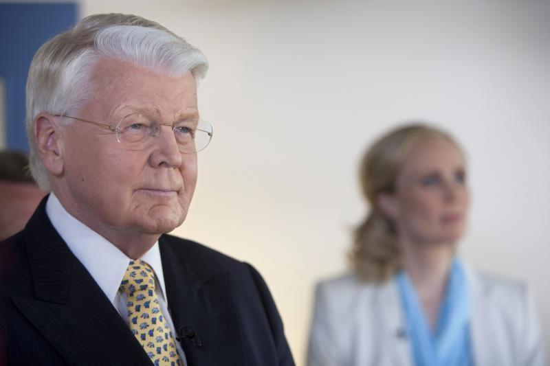 Islandijos prezidentas laimėjo rekordinę penktą kadenciją
