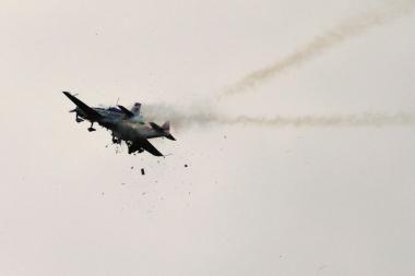 Vokietijoje per aviacijos šventę susidūrus lėktuvams, žuvo vienas lakūnas