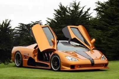 Greičiausio automobilio gamintojai kuria elektromobilį