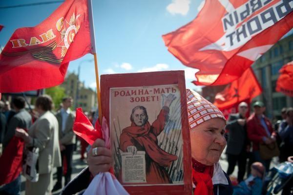 """Rusijoje: nevyriausybinei organizacijai - """"užsienio agentei"""" - bauda"""