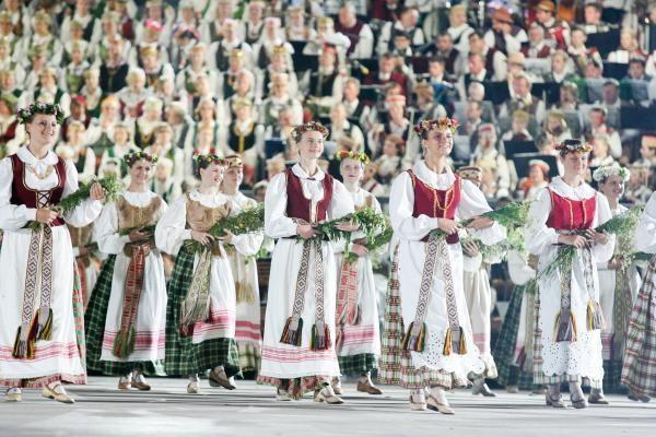 R.Kondrotas: pasirengimas Moksleivių dainų šventei vyksta visu tempu