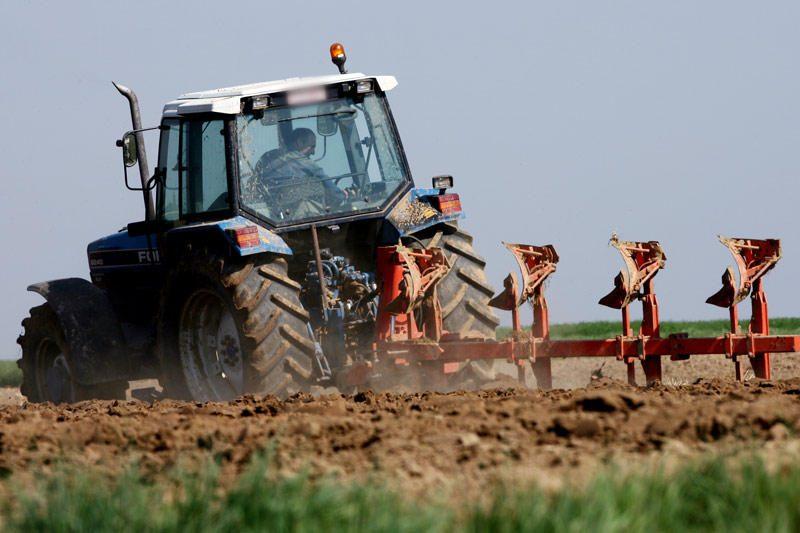 Kėdainių rajone traktorius mirtinai sužalojo pėsčiąjį