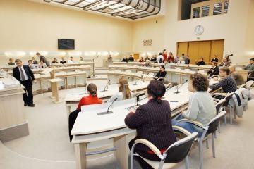 Kauno tarybos posėdžiai verčiami į gestų kalbą
