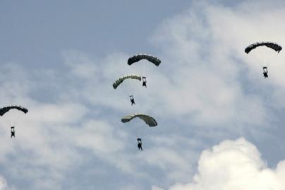 Ignalinos rajone žuvo Latvijos parašiutininkas