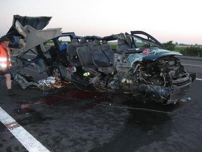 Tragiškoje avarijoje Lenkijoje žuvo du lietuviai