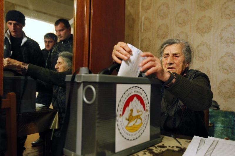 Pietų Osetijoje pakartotinai mėginama išrinkti prezidentą