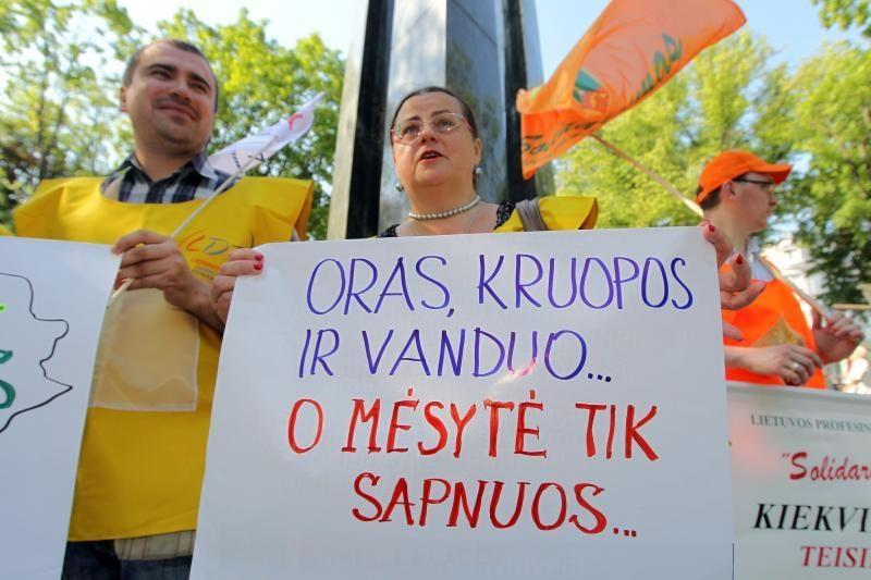 """Profsąjungos Vyriausybei grasina """"graikišku variantu"""" (papildyta)"""