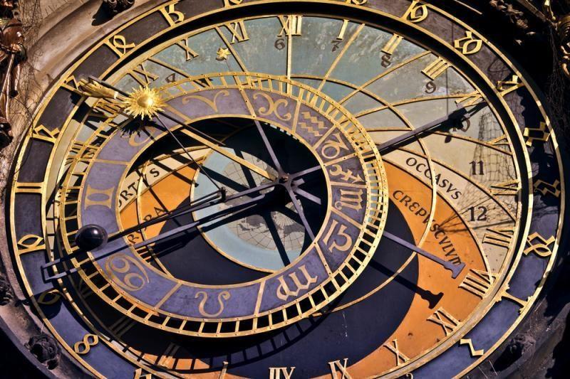 Higgso dalelė leis transportuoti medžiagą ir manipuliuoti laiku?