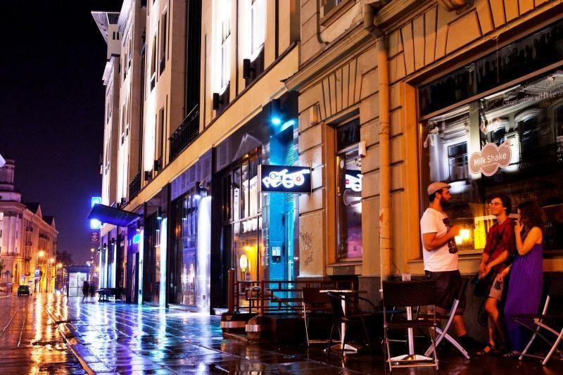 Vilniuje ketinama pailginti lauko kavinių darbo laiką