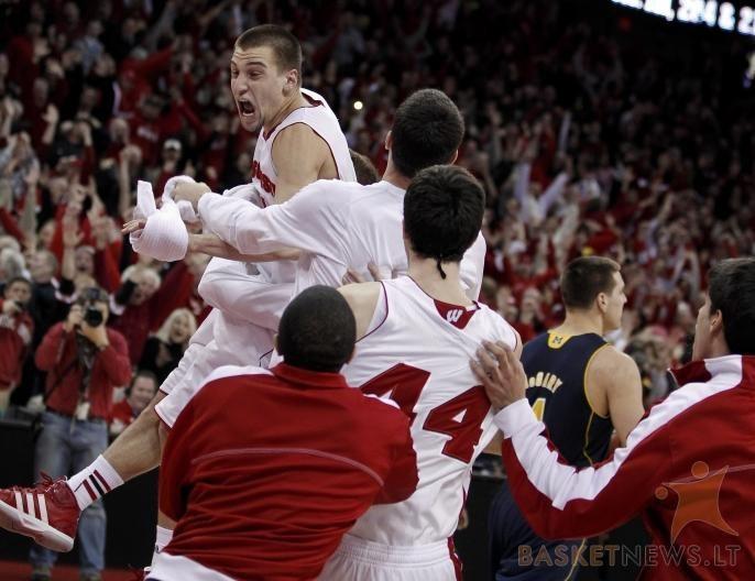 NCAA lygoje tęsiasi stebuklingų ir pergalingų metimų serija