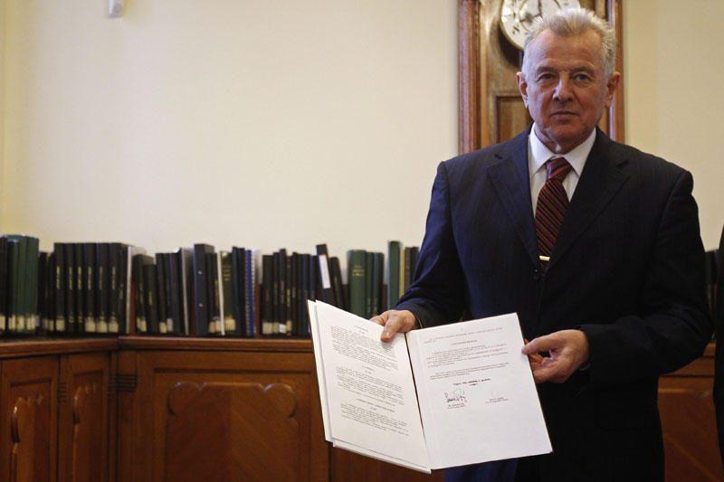 Vengrijos universitetas atims iš prezidento daktaro laipsnį