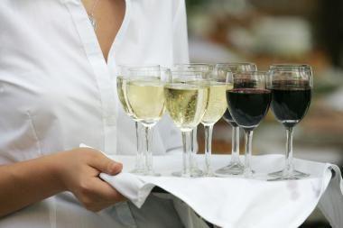 Kodėl prie žuvies patiekalų tinka tik baltas vynas?