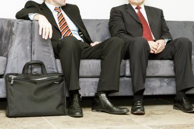 Valdininkai privatų sektorių laiko patrauklesniu, tačiau dirbti jame nenorėtų