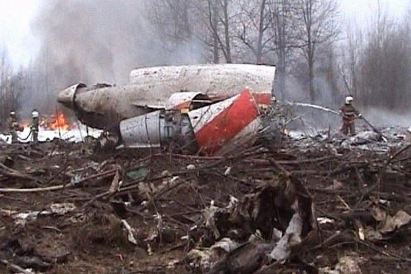 Lenkai ekshumuos katastrofos aukų palaikus