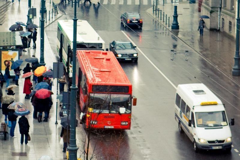 Mokesčių inspektoriai pakratė maršrutinius taksi