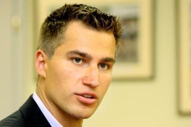 """D.Zubrus nuginklavo """"Bruins"""" vartininką"""