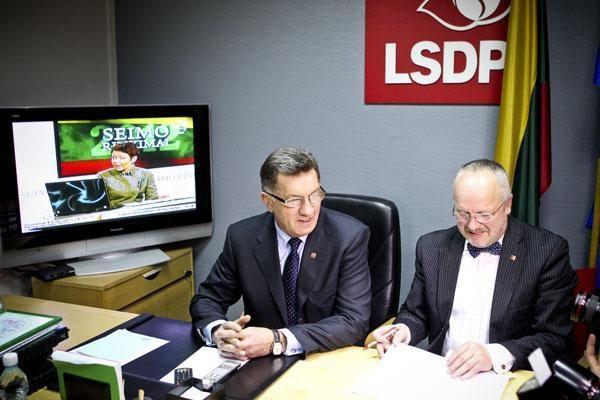 Trečdalio gyventojų palaikomi socialdemokratai išlieka populiariausi