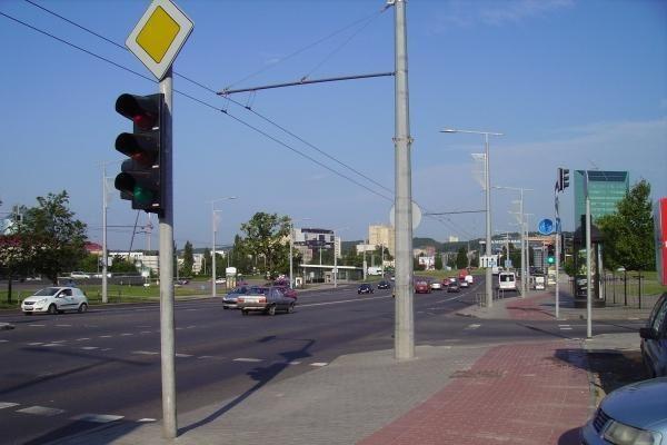 Rugsėjo 1 d. bus draudžiamas eismas dalyje Konstitucijos prospekto