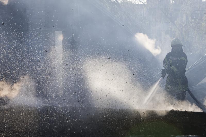 Biržų rajone sudegė ūkinis pastatas, įtariamas padegimas