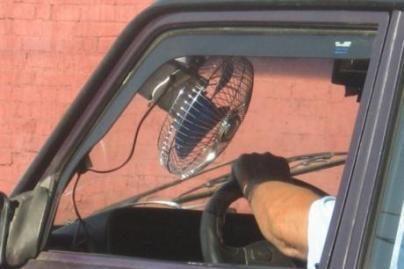 Kaip automobilyje apsisaugoti nuo karščio?