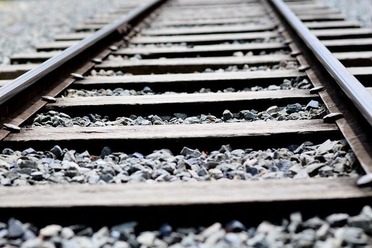 Traukinio avarija Prancūzijoje veikiausiai įvyko dėl sugedusio iešmo