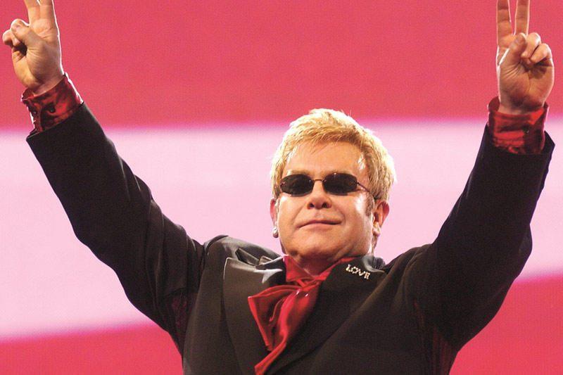 Į Lietuvą atvyksta seras Eltonas Johnas