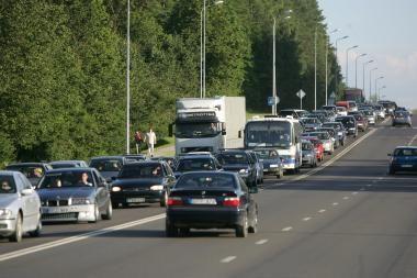 Iš Vilniaus link Molėtų – rekonstruotu keliu