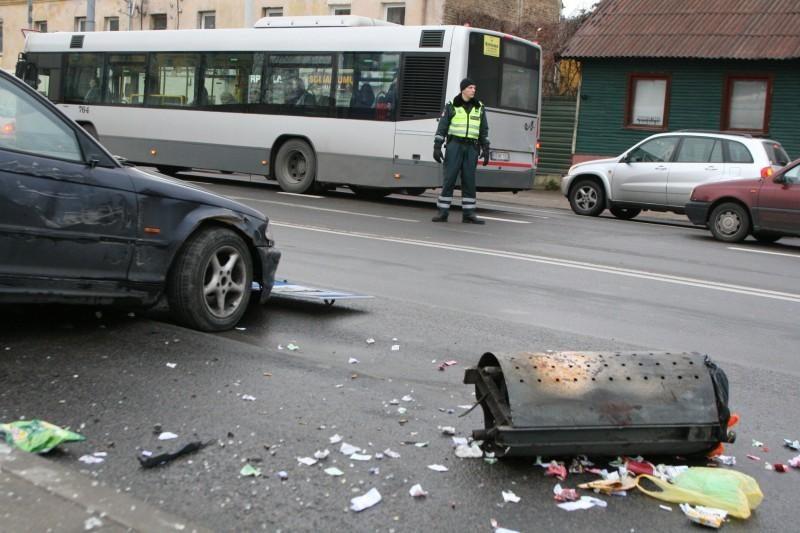 Per savaitę eismo nelaimės nusinešė 13 žmonių gyvybes