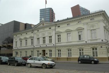 Perimti apskrities pastatą - savivaldybei garbės reikalas
