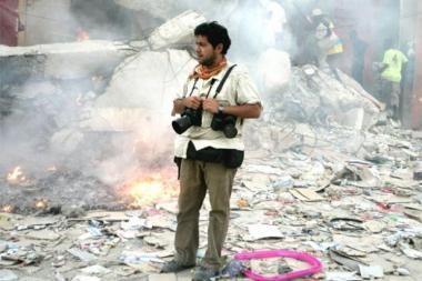 Haitiečiams pagalbos ranką tiesia ir žurnalistai, ir kino žvaigždės