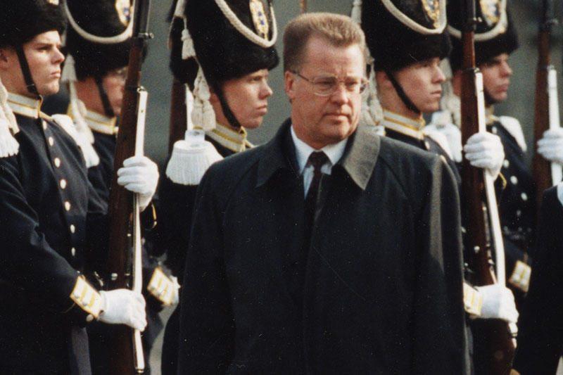 Buvęs Latvijos prezidentas peikia referendumo iniciatorius
