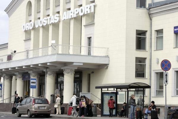 Vilniaus oro uoste – naujos kavinės, parduotuvė, knygynas