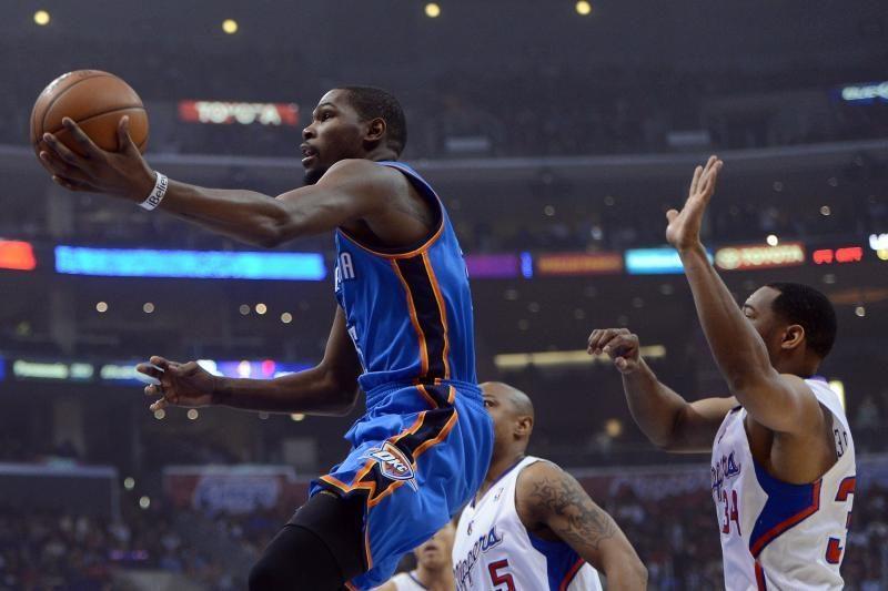 """NBA titanų mūšyje K.Durantas sudrebino """"Clippers"""" galybę (top10)"""
