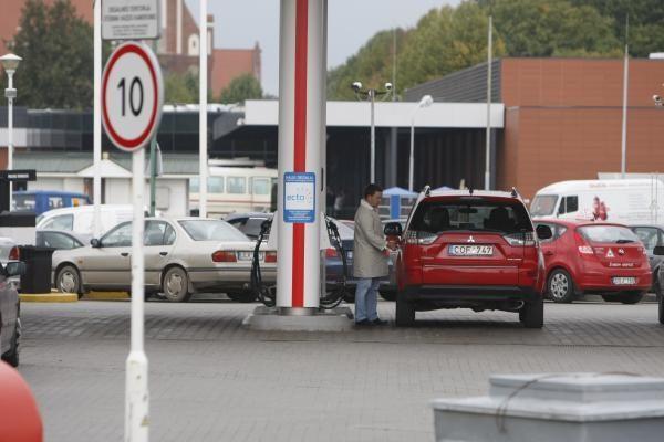 Benzinas šalies degalinėse per savaitę brango 3 centais