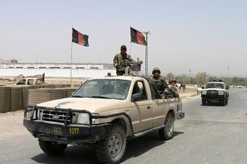 NATO pradėjo operaciją prieš Talibaną (papildyta)